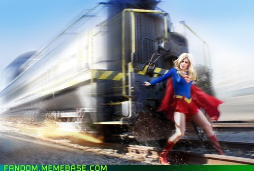 comics,cosplay,super girl,train
