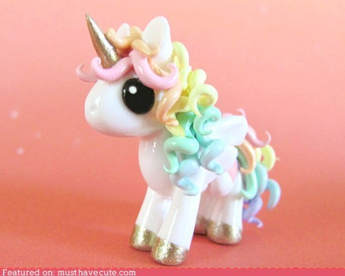 figurine pretty rainbow unicorn