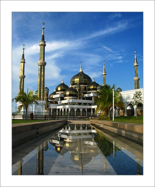 architecture gold malaysia mosque pool