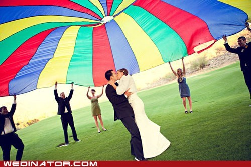 bride funny wedding photos groom KISS parachute recess