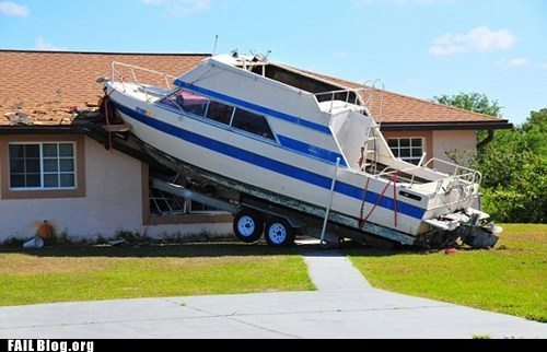 boat,crash,house