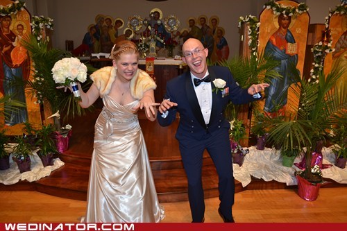 bride,dinosaurs,funny wedding photos,groom