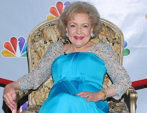 betty white,endorsement,politics,President Obama,regular