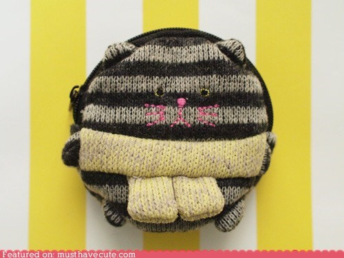 kitty Knitted pouch wallet zipper