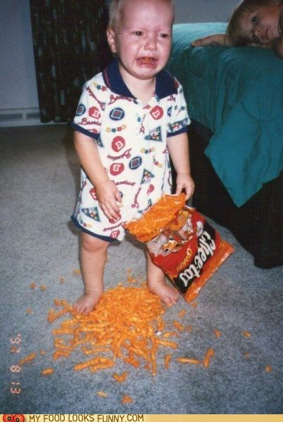 baby,cheetos,cry,spill