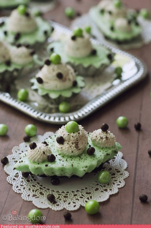 chocolate epicute grasshopper mint pies whipped cream - 6231075584