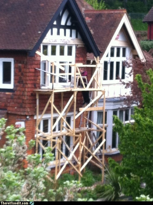construction plank scaffolding unstable wood - 6236093440