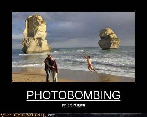 beach hilarious photobomb picture