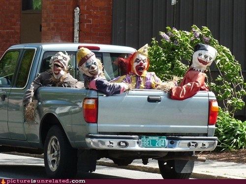 best of week,clowns,creepy,scarecrows,scary,wtf