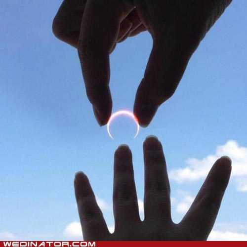 eclipse,funny wedding photos,moon,rings,sun