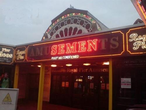 aberystwyth amusements light malfunction - 6279074048