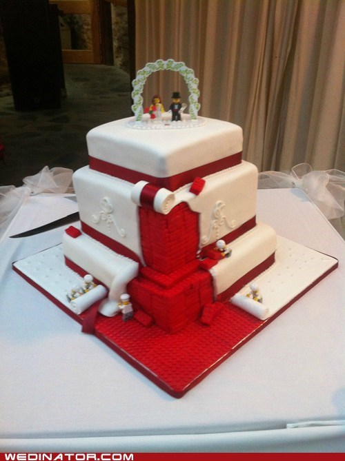 funny wedding photos,lego,legos,wedding cakes