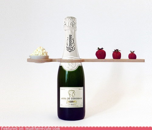 champagne device packaging presentation strawberries - 6283818496