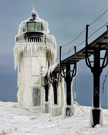 bridge ice lighthouse michigan snow winter - 6286930688