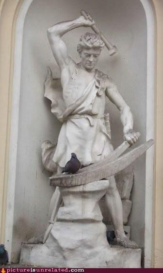 hammer,pidgeons,statues,wtf