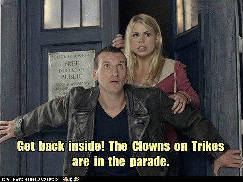 doctor who,the doctor,christopher eccleston,rose tyler,billie piper,clowns,scary,run