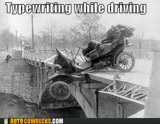 risky texting habits,texting while driving,typewriting while driving