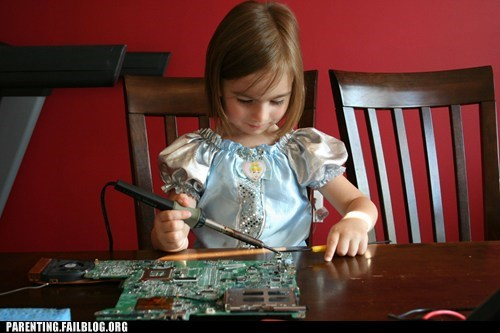 engineering,g rated,girl,Parenting FAILS,princess costume