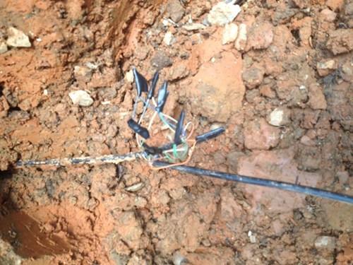 backhoe cable connection internet internet connection - 6309946112