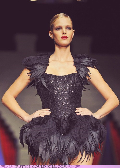 black cool accessories feathers runway - 6311716096