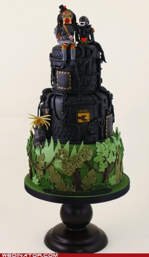 alien,cakes,funny wedding photos,geek,Predator,sci fi,wedding cakes