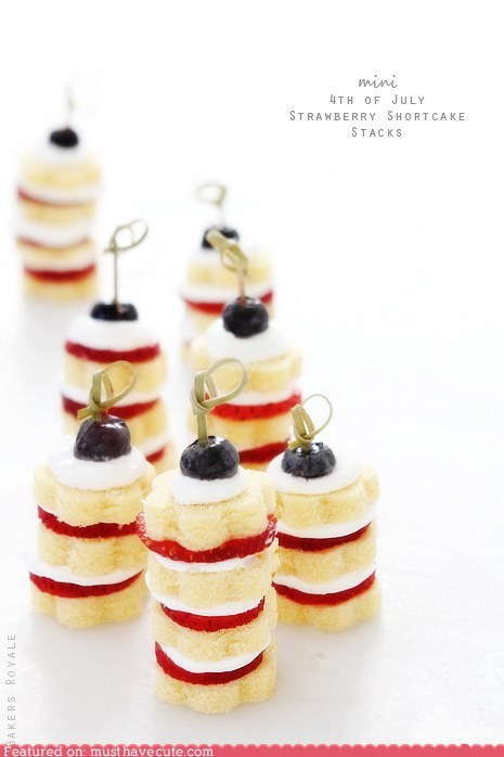 cake epicute skewers stack strawberries tiny