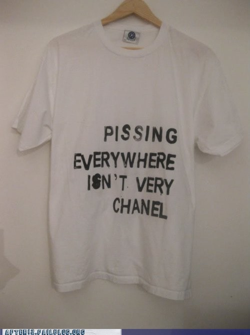 chanel,pissing,pissing everywhere,T.Shirt