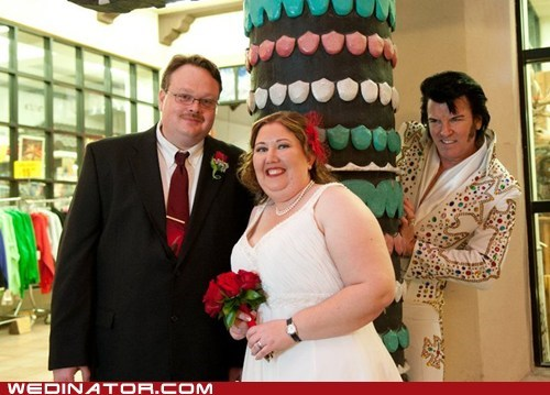 bride,Elvis,funny wedding photos,groom