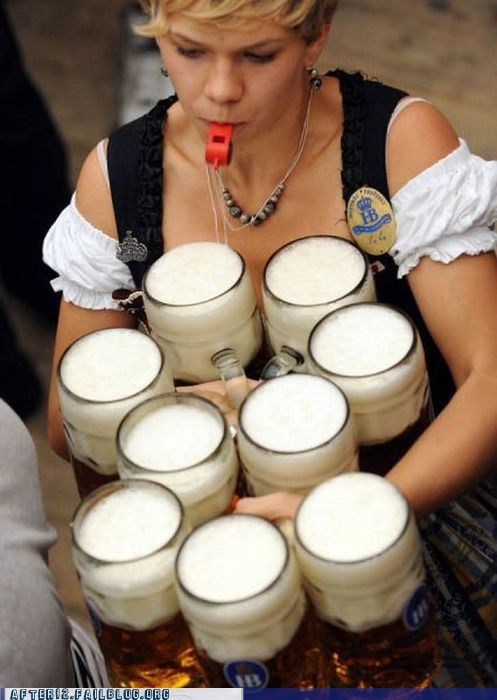german Germany hofbrauhaus kellnerin waitress - 6331860736