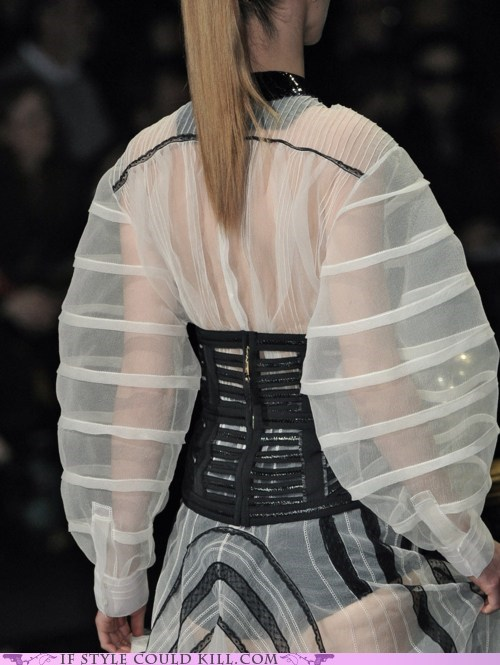 cool accessories Louis Vuitton runway - 6336015872