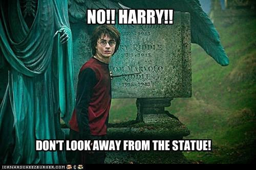 Daniel Radcliffe,dont-look,harry,Harry Potter,mistake,scary,statue,weeping angels