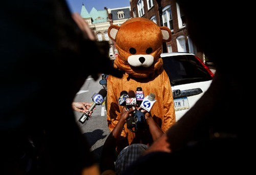 Jerry Sandusky,pedobear,The Interpipes Are Leakin,The Interpipes Are Leaking