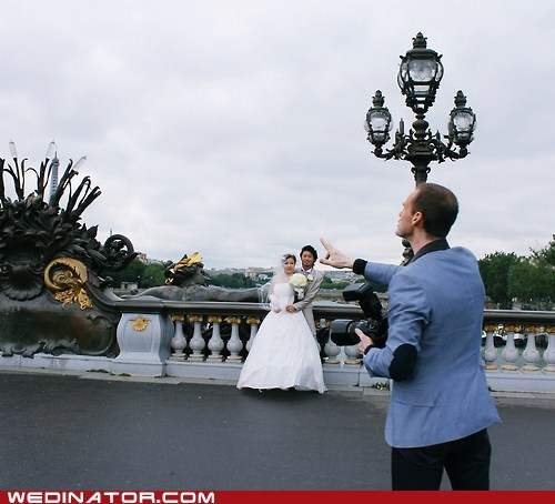 bride france funny wedding photos groom paris photographer Pont Alexandre III