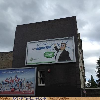 Ad,billboard,go compare,IRL