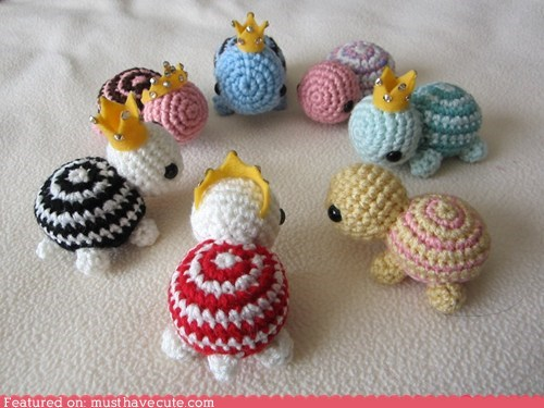 Amigurumi Crocheted crowns turtles