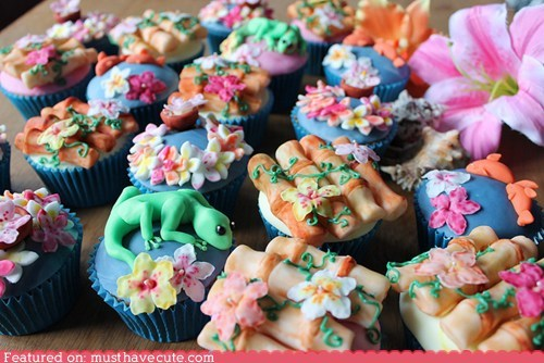 bamboo,cupcakes,epicute,flowers,fondant,lizards,Tropical