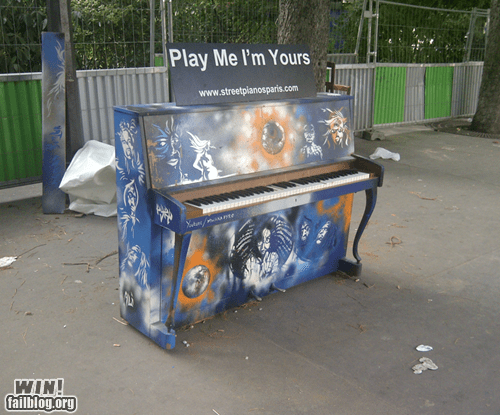 free stuff Music piano urban - 6395992576