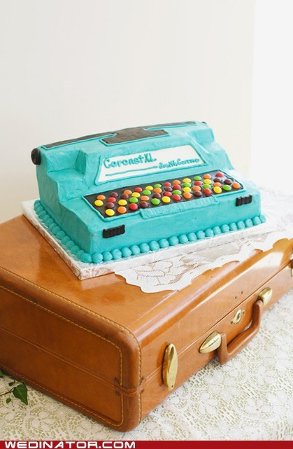 cakes,funny wedding photos,typewriter cake,wedding cake,writing