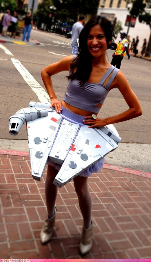 comic con,cosplay,dress,funny celebrity pictures,if style could kill,Millenium Falcon,star wars