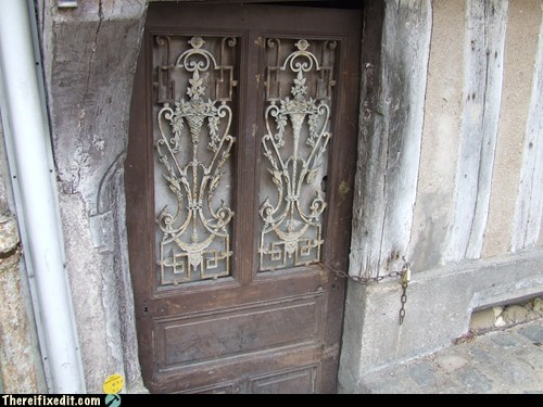 auxerre door doorframe france french key - 6447776768