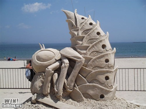 beach bee creepy sand castle sand sculpture summer - 6453604096