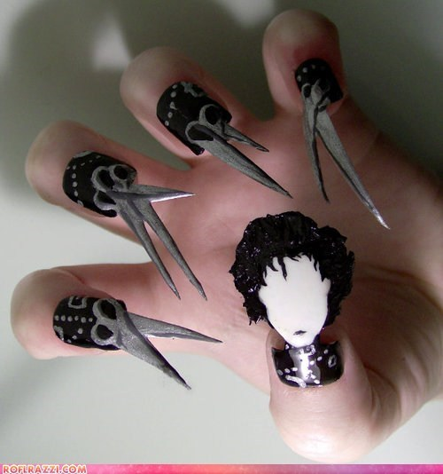 Edward Scissorhands,funny celebrity pictures,Johnny Depp,manicure,nail art,nails