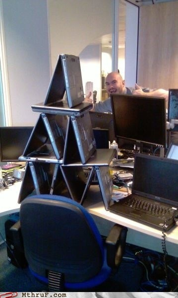 hp,jenga,laptop,pyramid