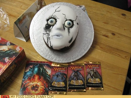 cake face mask scary stare - 6488498176