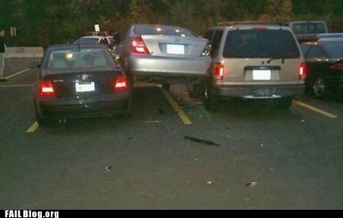 car accidents car crash parking lot - 6488893952
