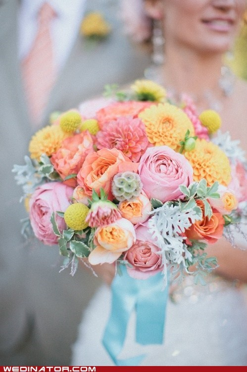 bouquet bride dahlias funny wedding photos - 6491496192