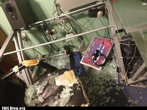 broken glass table - 6497569024