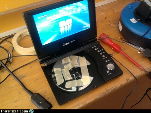 CD,CD drive,disc,DVD,portable dvd player