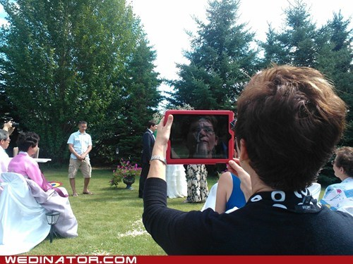 apple,funny wedding photos,ipad,wedding ceremony