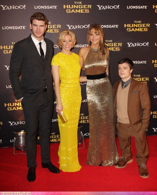 actor celeb elizabeth banks funny jennifer lawrence josh hutcherson liam hemsworth Movie shoop hunger games - 6526666240